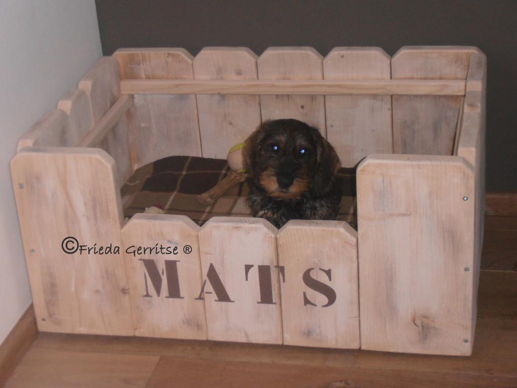 Zelf houten hondenmand maken?? | HondenForum